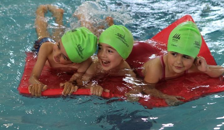 Xviii festival de natacao encerra epoca 2016 2017 das piscinas for Piscina municipal de ilhavo
