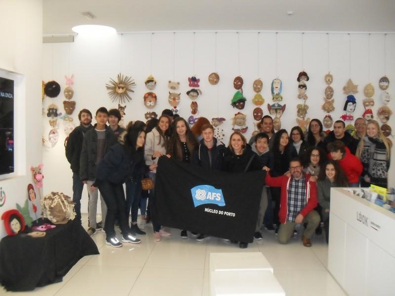 Loja do Turismo de Paredes acolhe visita de 30 jovens estrangeiros de programa intercultural